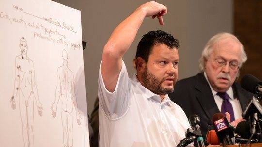 CNN Discovers Mike Brown Autopsy Expert Is Not a Professor or a Doctor